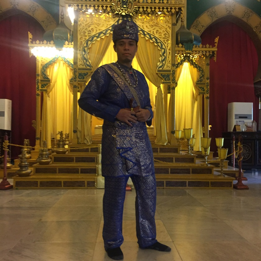 Baju Kesultanan Melayu Deli