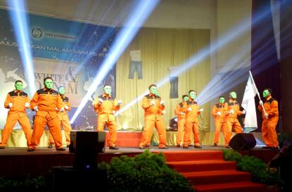 Persembahan Staff SWN NS
